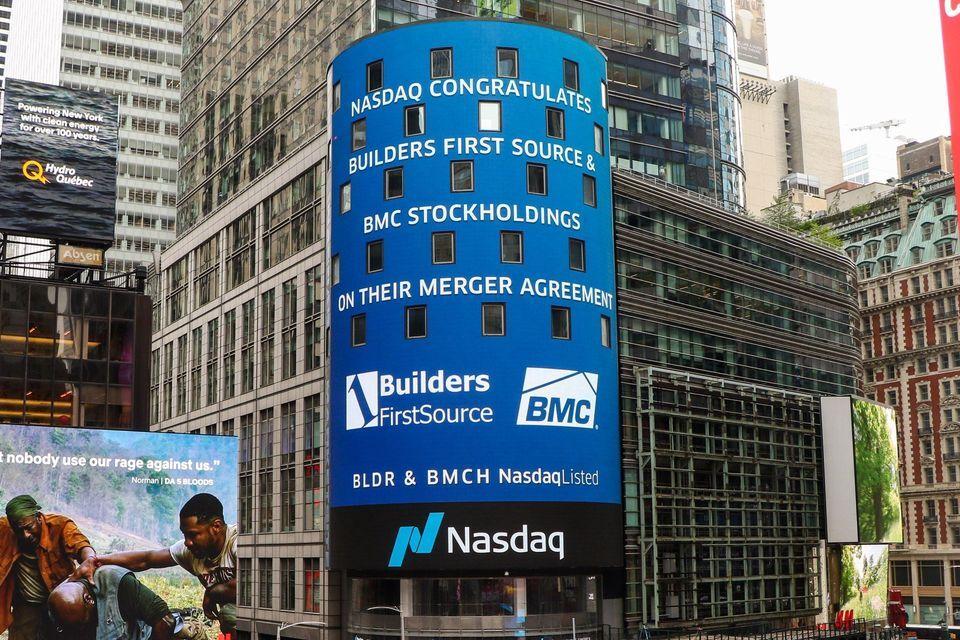 NASDAQ Reader Board Announcing BFS-BMC Merger